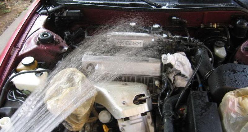 Мойка автомобильного двигателя